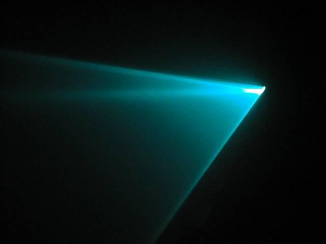 Laser proniká mlhou