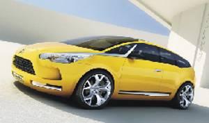 Na blížícím se frankfurtském autosalonu představí automobilka Citroën svou nejnovější vizi vozu na dlouhé cesty, koncept C-SportLounge.