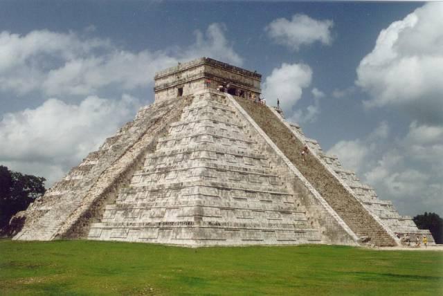 Průzkum obětních jeskyní v Yucatánu odhalil, že bohům nebyly navzdory vžitým představám předkládány mladé panny.