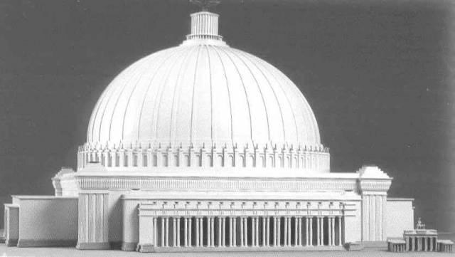 Vůbec poprvé má široká veřejnost možnost na vlastní oči shlédnout model přestavby Berlína, který na Hitlerův popud vytvořil Albert Speer.