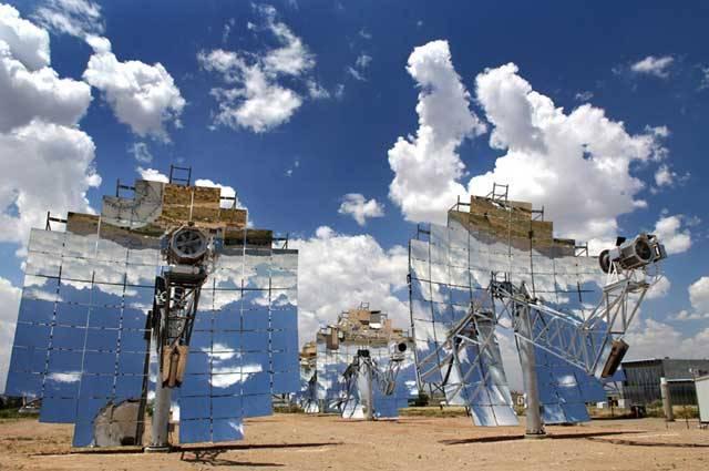 Americká národní laboratoř Sandia a společnost Stirling – energetické systémy dosáhly při výzkumu nového rekordu v účinnosti sluneční elektrárny.