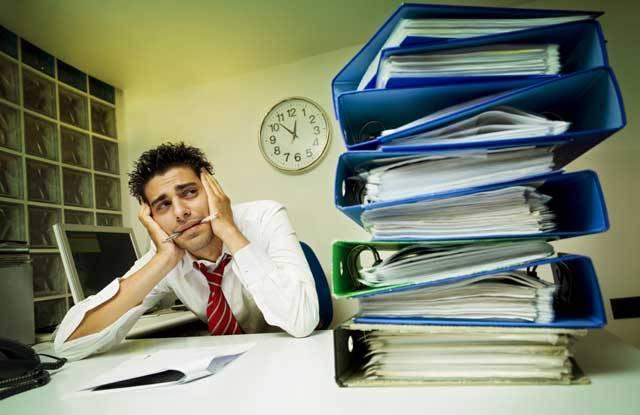 Nejnovější statistiky uvádějí, že až tři čtvrtiny obyvatel většiny vyspělých zemí dnes podléhají nemocem, na kterých se nějak spolupodílí STRES. Pro mnohé se stal nevítaným dotěrným společníkem! Stresové hormony náš život doprovázejí doslova od šťastného okamžiku prvního křiku při narození až do posledního vydechnutí při smutné smrti.