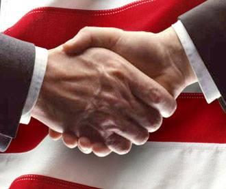 Diplomacie se definuje jako oficiální činnost zaměřená na uskutečňování cílů, zájmů a úkolů zahraniční politiky. Nejde však jen o suchopárnou byrokracii, ale rovněž o magii, divadlo, ba i napínavou činnost s nejistým výsledkem. Vždy však k diplomacii patří následující pojmy: