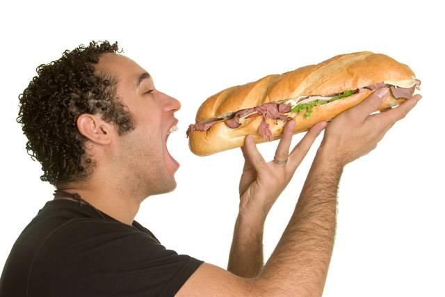 """Přední světoví odborníci na výživu varují! Světem se jako lavina šíří nebezpečná obezita a miliony lidí mají v organismu kritické hodnoty cholesterolu. Tento stav přirovnávají odborníci doslova k pandemii, která může způsobit, zejména ve vyspělých zemích, úplnou katastrofu. Nové poznatky dokonce staví obezitu do přímé úměry se snižováním plodnosti u mužů, což by v budoucnu mohlo ohrozit celou naši civilizaci. Jak se tedy před onou """"pandemií"""" z potravin bránit?"""