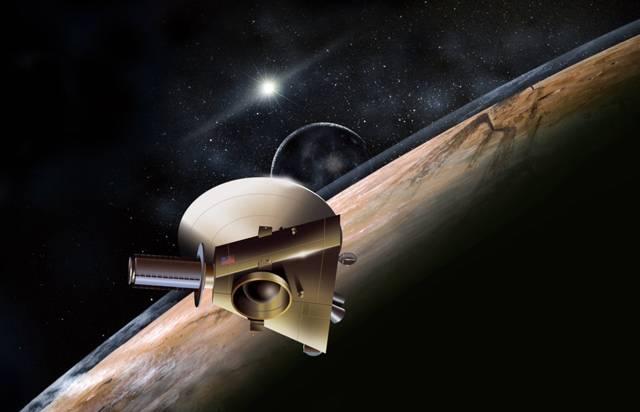 Není to tak dávno, co jedno z nejvzdálenějších těles sluneční soustavy – Pluto, vzbudil slušný poprask. Před více než třemi roky totiž astronomové rozhodli, že Pluto bude vyobcován z hrdé rodiny planet, mezi které bylo počítáno od svého objevu v roce 1930. Nezdá se však, že by to Plutu nějak vadilo, a vědci se po svých rozepřích ohledně tohoto nevelkého objektu opět pustili do jeho zkoumání.