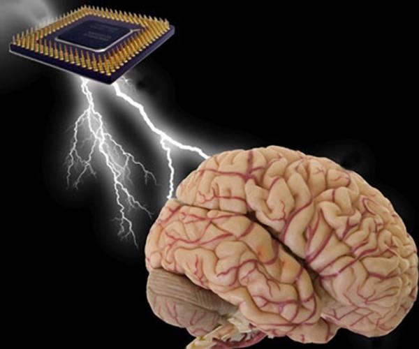 Nedávná vědecká studie, jejímž autorem byl šéf výzkumného ústavu společnosti IBM Dharmendra Modha, prokázala, že i ty nejvýkonnější superpočítače lidský mozek hravě strčí do kapsy. Možná i proto v počítačových laboratořích vznikají projekty, které by tento propastný rozdíl měly alespoň částečně smazat.