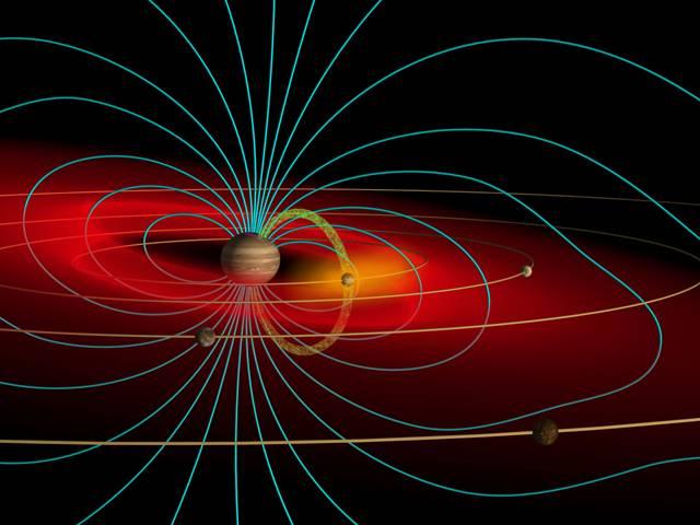 Jupiter je bezesporu králem naší sluneční soustavy. Kdyby se Země rozprostřela po jeho povrchu, její velikost by odpovídala velikosti Indie na zemském globu. Jupiter má hmotnost přibližně jedné tisíciny Slunce, což je dvaapůlkrát více než všechny ostatní planety sluneční soustavy dohromady, včetně Saturnu. Nicméně řada tajemství tohoto plynného giganta nám stále zůstává utajena.