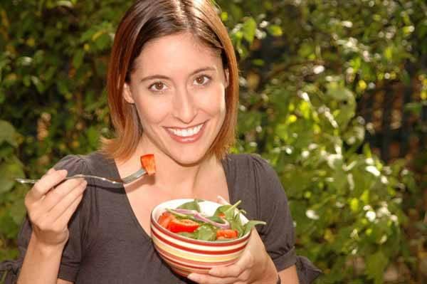 Pojem dieta pochází z latiny a znamená náležitou stravu. Vyvážená dieta musí zajišťovat kromě energetického obsahu přiměřené složení živin (bílkovin, tuků, cukrů)) a mít i dostatečné množství vitaminů, minerálů, stopových prvků a vlákniny. Specifikem jsou zvláštní diety pro různá onemocnění. Názvy se odvozují od účelu (redukční) či typického složení. V současnosti existuje přes 35 000 diet a přibývají další. Tím se zabývá i mladý vědní obor – dietologie.