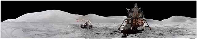 """Když jsem se v Praze při exkluzivním rozhovoru pro 21. STOLETÍ zeptal """"posledního muže na Měsíci"""" – amerického astronauta Eugene A. Cernana – co ho při pobytu na měsíčním povrchu překvapilo, uvedl, že nečekaný nález půdy oranžového zbarvení."""