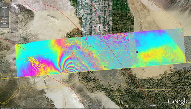 Americká kosmická agentura NASA poprvé zveřejnila letecké radarové snímky změn zemského povrchu, způsobených zemětřesením o síle 7.2 magnituda, které zasáhlo mexický stát Baja California a jihozápadní část USA v dubnu loňského roku. Použitá technika umožňuje mapovat posuny zemské kůry v časových intervalech a předpovídat další tektonické děje v dané oblasti.