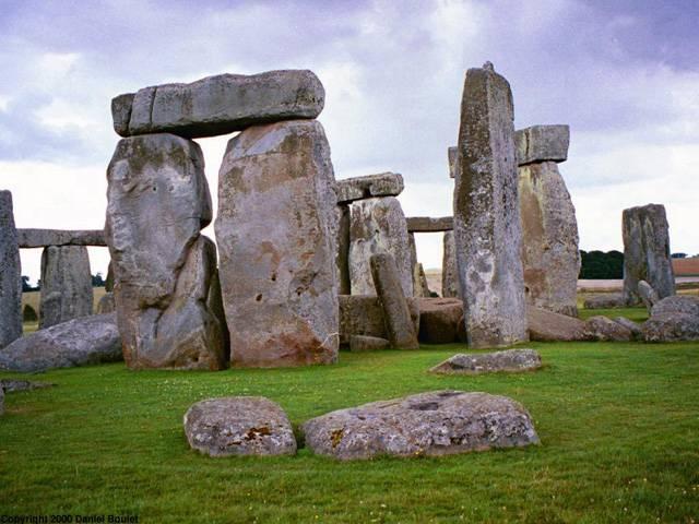 Co napoví analýza zvuku? Archeologové naslouchají zvukům Stonehenge