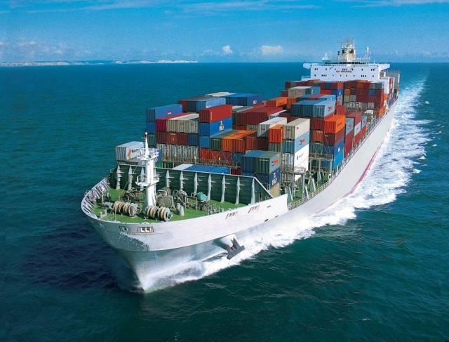 S návrhem kovového materiálu, díky němuž by mohly být nákladní lodě až o 30% lehčí, než jsou dnes, přišli nedávno vědci z laboratoří Fraunhoferova institutu v německém Chemnitzu. Snížení hmotnosti lodí by mohlo také významně přispět k redukci emisí oxidu uhličitého a dalších plynů, které vznikají při spalování paliva.