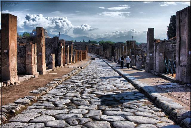 Nová studie, vedená vulkanologem Giuseppem Mastrolorenzem z Národního institutu geofyziky a vulkanologie v italské Neapoli, přinesla zcela nový pohled na dávnou katastrofu v Pompejích.