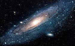 Jakou roli sehrála temná hmota v raných fázích vesmíru?