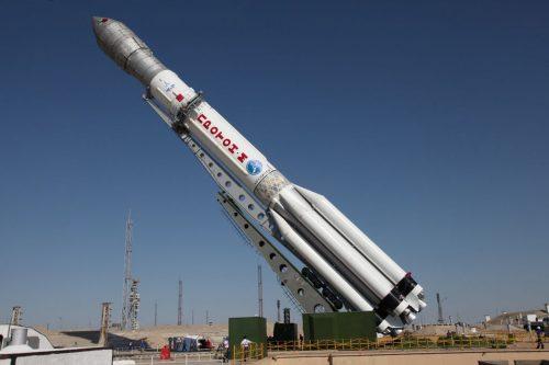 """ITAR-TASS: BAIKONUR, KAZAKHSTAN. JULY 2, 2013. Proton-M rocket carrying three Glonass-M navigation satellites being installed on a launch pad at the Baikonur Cosmodrome. The rocket has crashed seconds after its launch. (Photo ITAR-TASS / Roscosmos) Êàçàõñòàí. Áàéêîíóð. 2 èþëÿ. Óñòàíîâêà ðàêåòû êîñìè÷åñêîãî íàçíà÷åíèÿ """"Ïðîòîí-Ì"""" ñ òðåìÿ êîñìè÷åñêèìè àïïàðàòàìè """"Ãëîíàññ-Ì"""" íà ñòàðòîâîì êîìïëåêñå êîñìîäðîìà Áàéêîíóð. Ðàêåòà óïàëà 2 èþëÿ íà ïåðâîé ìèíóòå ñòàðòà. Ôîòî ÈÒÀÐ-ÒÀÑÑ/ Ðîñêîñìîñ"""