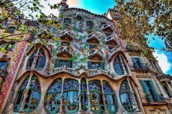 Génius secese z Katalánska