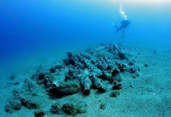 Archeologové v Egejském moři objevili unikátní vraky antických a byzantských lodí