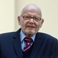 Zemřel významný biochemik Emil Paleček