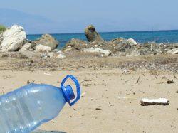 Vědci v Portugalsku objevili nový typ umělohmotných nečistot