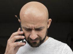 Jak skoncovat splešatostí? Vědci vytvořili přirozeně vypadající vlasy!