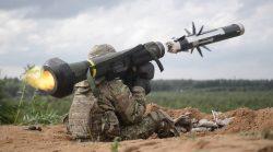 Pěchota proti tanku! Vylepšené Javeliny zlikvidují vozidlo na kilometry…
