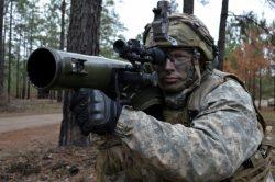 Výcvik amerických vojáků? Střelba z pancéřovky ve virtuální realitě