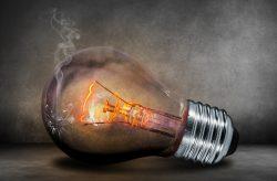 Kdo šetří, má za tři aneb 5 kroků, jak změnit dodavatele energií a ušetřit