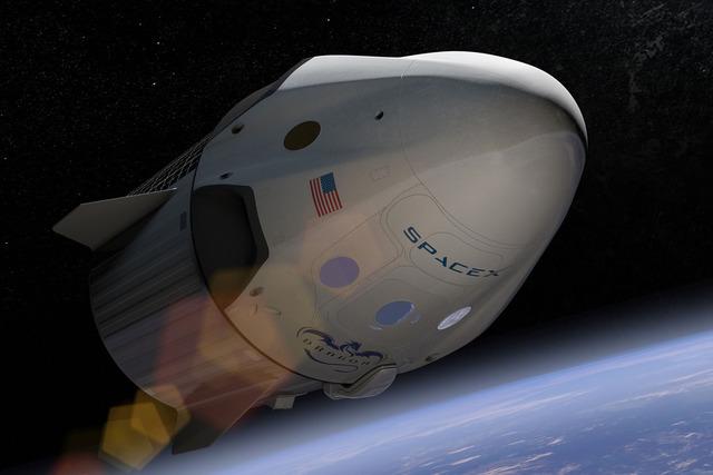 Muskova SpaceX slaví! Z ISS se po půl roce vrátila posádka lodi Crew Dragon