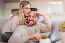 Jedna žurnalistka provedla pokus: zaregistrovala se na stránkách s webkamerami BongaCams a vydělala si 800 eur!
