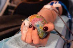 Léky z krevní plazmy denně pomáhají tisícům pacientů