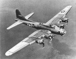 Vědci poprvé prozkoumali místo dopadu válečného letounu z druhé světové války