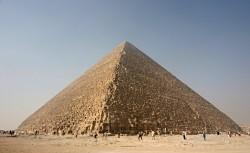 Cheopsova pyramida má teplotní anomálie