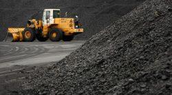 Největší uhelná společnost světa omezila těžbu