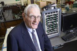 Nahradí skleněné akumulátory dnešní Li-Ion baterie?