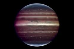 Nově objevený planetární systém se podobá tomu našemu