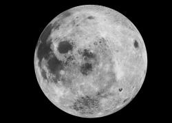 Nad povrchem Měsíce je prachový mrak