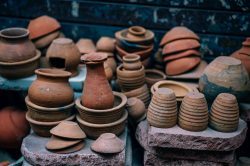 Hlínu používáme již deset tisíc let. Znáte příběh keramiky?