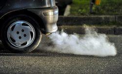 Britský plán: do roku 2040 konec benzinových a naftových automobilů