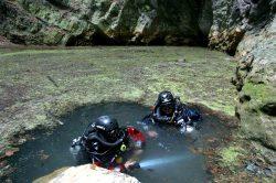 Nejhlubší zatopená jeskyně je v ČR