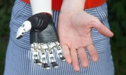Bionická ruka jako živá
