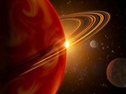 Za bouře na Saturnu možná může voda