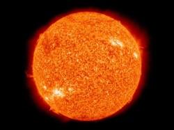 Sluneční světlo poškozuje kůži i ve tmě