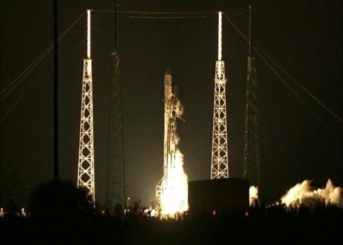 Vesmírná loď Dragon společnosti SpaceX zamířila k ISS