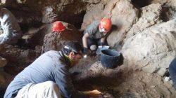 Archeologové objevili dvanáctou jeskyni, která skrývala svitky od Mrtvého moře