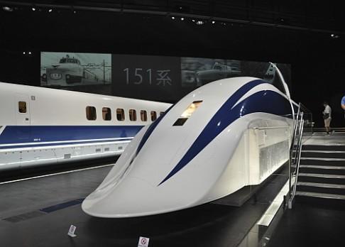 Vlak dosáhl rychlosti 500 km/h