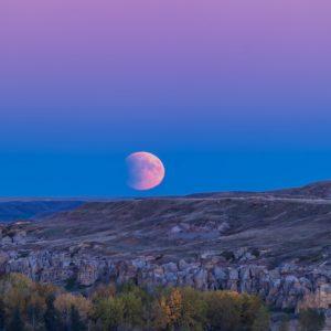 Eclipse Moonrise at Writing-on-Stone