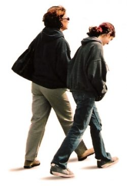 Výzkum prozradil: Větší lidé chodí jinak