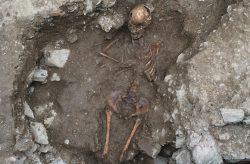 V Itálii nalezen hrob čarodějnice
